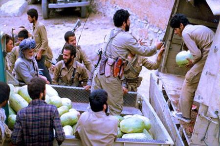 تصویر از ماجرای هندوانه دردسرساز در جبهه