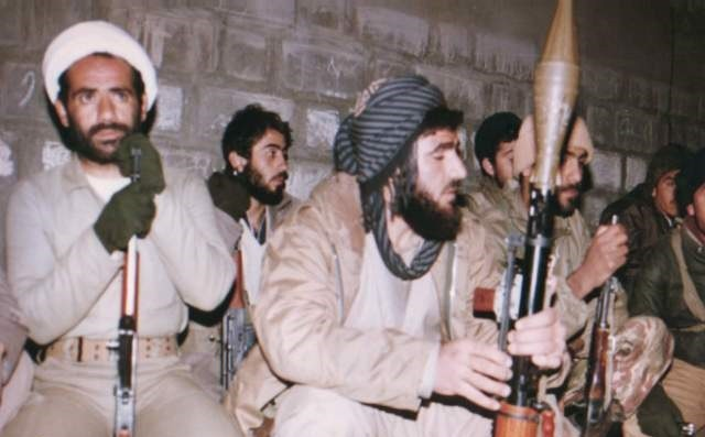 تصویر از غیاثی قبل از شهادت شهید شد!