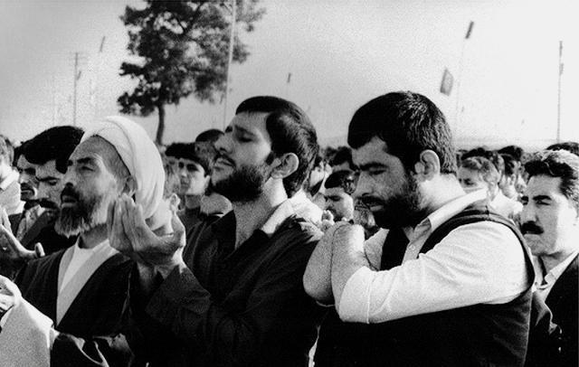 تصویر از بسیجی که ارتشیها خاطرخواهش شدند