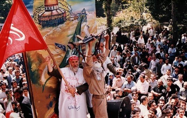 تصویر از دانشجویان خط امام