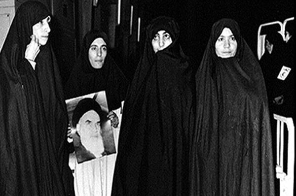 تصویر از چهار زن در قاب تصویر
