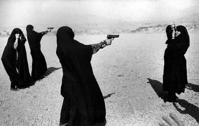 تصویر از زنان و دفاعمقدس